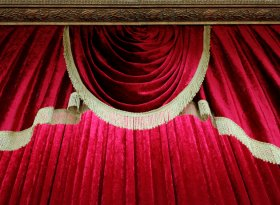 Find self-catering accommodation for theatre events