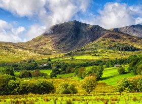 Find self-catering accommodation for Snowdonia