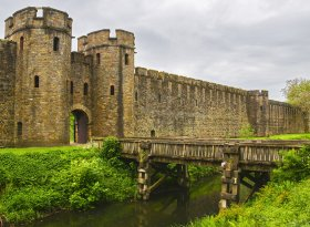 Find self-catering accommodation for Cardiff