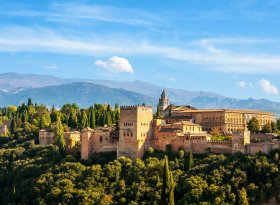 Find self-catering accommodation for Granada