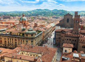 Find self-catering accommodation for Bologna