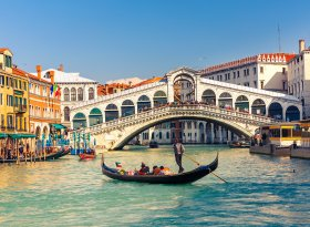 Find self-catering accommodation for Venice