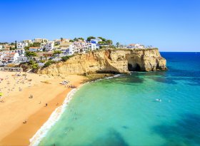 Find self-catering accommodation for Algarve