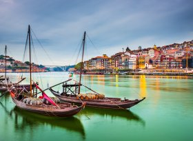Find self-catering accommodation for Porto