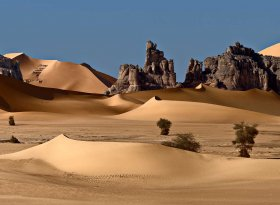 Find self-catering accommodation for Algeria