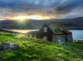 Find self-catering accommodation for Iceland