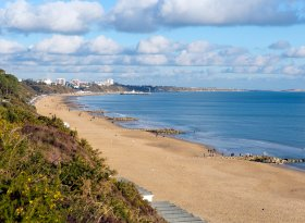 Find self-catering accommodation for Poole