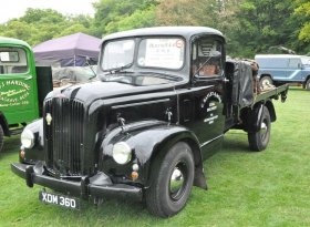 Find self-catering accommodation for Steam and Vintage Weekend at Fawley Hill