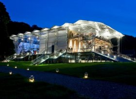 Find self-catering accommodation for Garsington Opera