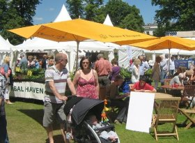Find self-catering accommodation for Cheltenham Food and Drink Festival