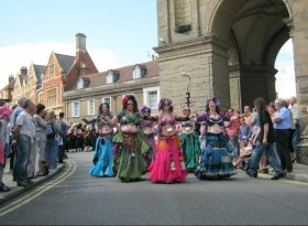 Find self-catering accommodation for Warwick Folk Festival