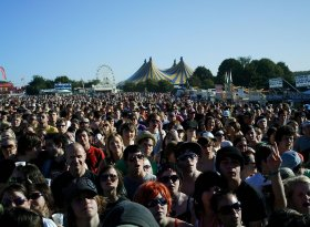 Find self-catering accommodation for Leeds Festival