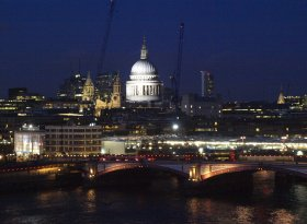 Find self-catering accommodation for The London Rat race