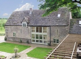 Luxury self catering barn near Cheltenham