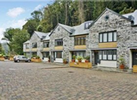 Luxury, contemporary self-catering accommodation in Dartmouth. An ideal place to stay.