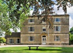Crudwell House (1)