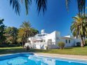 6 bedroom holiday Villa on the Costa Del Sol with swimming pool, tennis court and terrace dining