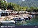 Italy-gardasee-garda-harbor-promenade-street-cafes-series-north-italy-BA79AJ