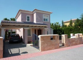 Detached villa with private swimming pool near Murcia