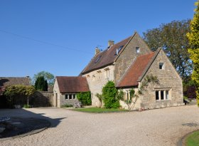 Walnut Tree House is in a beautiful village located in the Cotswolds with stunning views.