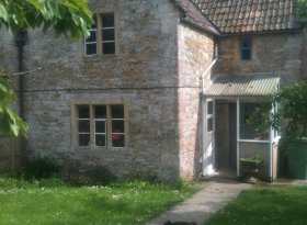 Glastonbury Accommodation: Exterior