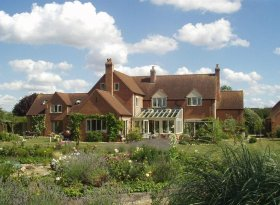 Peaceful Bed & Breakfast and Self-Catering annexe near Stratford-upon-Avon. Sleeps 6.
