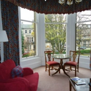 Find self-catering accommodation for Luxury Suite available for the Edinburgh Fringe Festival- refreshing alternative to five star hotel!