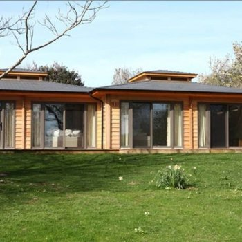 Find self-catering accommodation for Timber Lodges on the Donnington Grove Country Club estate in Newbury. Enjoy the races and stay here.