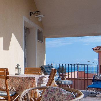 Find self-catering accommodation for 1 bedroom Villa in Sicily only 200m from the sea, perfect for short breaks
