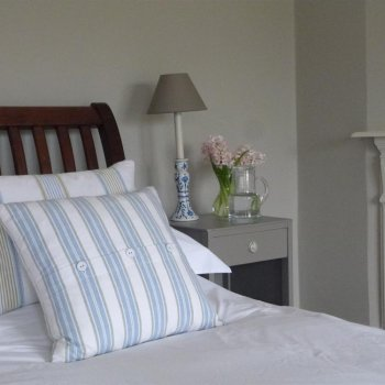 Find self-catering accommodation for Handsome Cotwold B & B in stunning Coln Valley location. Ideal place to stay for a weekend break.
