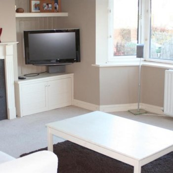 Find self-catering accommodation for Spacious family home situated in Cheltenham with easy access to the Festival and town centre