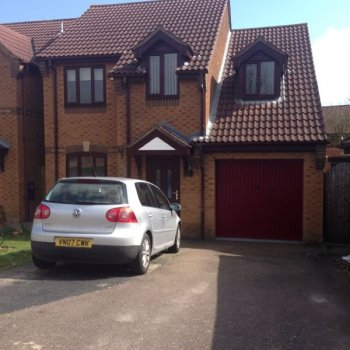 Find self-catering accommodation for 4 Bed house in Towcester, ideally located for the F1 Grand Prix Weekend at Silverstone.