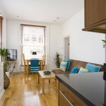 Find self-catering accommodation for Covent Garden 1 bedroom holiday apartment, near the Royal Opera House, perfect for a short breaks.