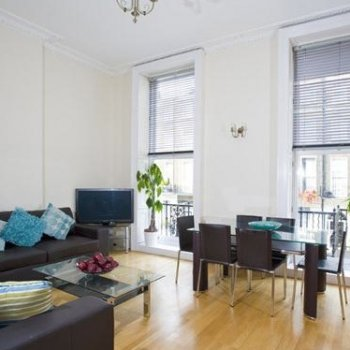 Find self-catering accommodation for Stylish 1 bedroom self catering apartment in Mayfair, perfect alternative to hotel accommodation