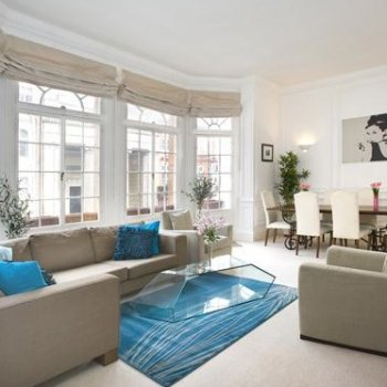 Find self-catering accommodation for 2 bedroom self catering rental apartment in Mayfair, why stay in hotel accommodation?