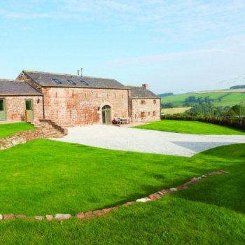 Find self-catering accommodation for Charming 2 bedroom self catering cottage in Cumbria, ideal for walking or cycling holidays.