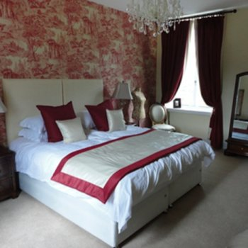 Find self-catering accommodation for Luxury Georgian Manor House in the Malvern Hills, perfect for a short break to the countryside!