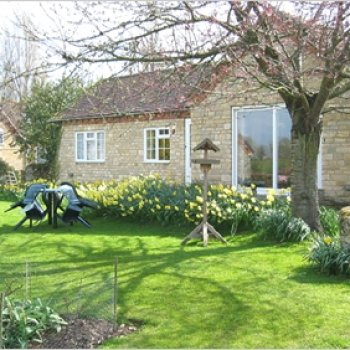 Find self-catering accommodation for Quaint 2 bedroom holiday cottage near the Malvern Hills, perfect for walking or cycling holidays.