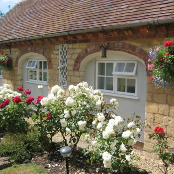 Find self-catering accommodation for One bedroom single storey holiday cottage in Tewkesbury, ideal weekend or holiday accommodation.