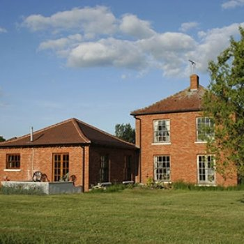 Find self-catering accommodation for B&B accommodation in Farm house annex set in 25 acres. Stunning views over unspoilt countryside.