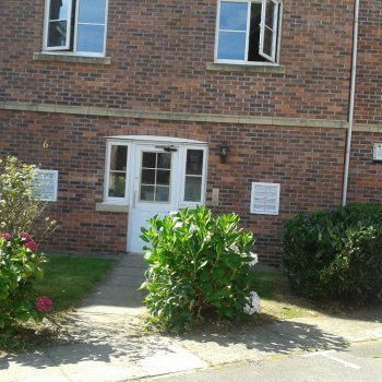 Find self-catering accommodation for attracive apartment near silverstone