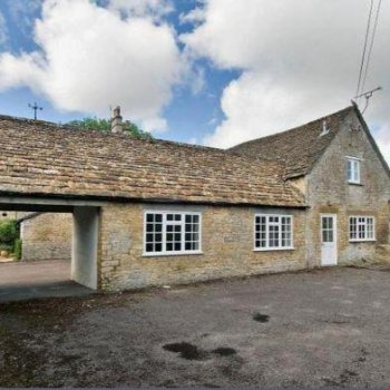 Find self-catering accommodation for Regency Coach House Attached to Large Regency Self Catering Property in Cotswolds.