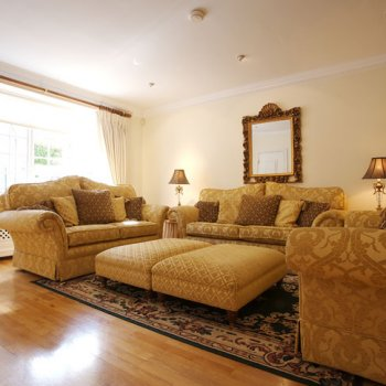 Find self-catering accommodation for Beautiful self catering home next to Hyde Park, perfect for London breaks!