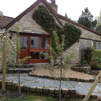 Find self-catering accommodation for Cosy self catering holiday cottage, perfect for short breaks  near Bath, Bristol and Chippenham!