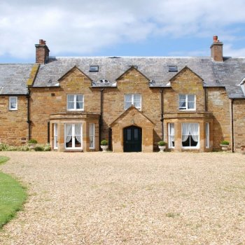 Find self-catering accommodation for Large group accommodation in Farmhouse with pool,  Northamptonshire, perfect for F1 Grand Prix!