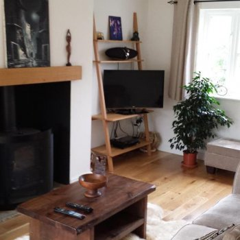 Find self-catering accommodation for Detached 3 bedroom house in Syresham, very close to Silverstone GP Circuit & with car passes!