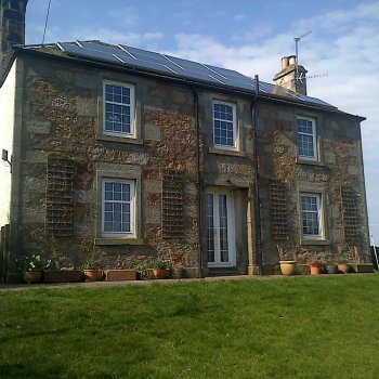 Find self-catering accommodation for Farmhouse holiday cottage, very central location for major events in Scotland. Located near Kinross.