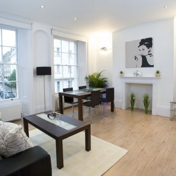 Find self-catering accommodation for Stunning 2 bedroom apartment in Marylebone, ideal for short stays in London!