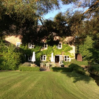 Find self-catering accommodation for Gorgeous little Mill house in the Pewsey Vale available for weekend breaks and holiday lets.