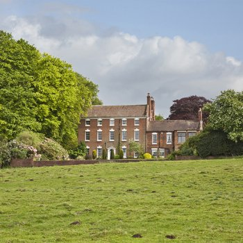 Find self-catering accommodation for Stunning country mansion in Worcestershire, ideal for corporate bookings and large groups!